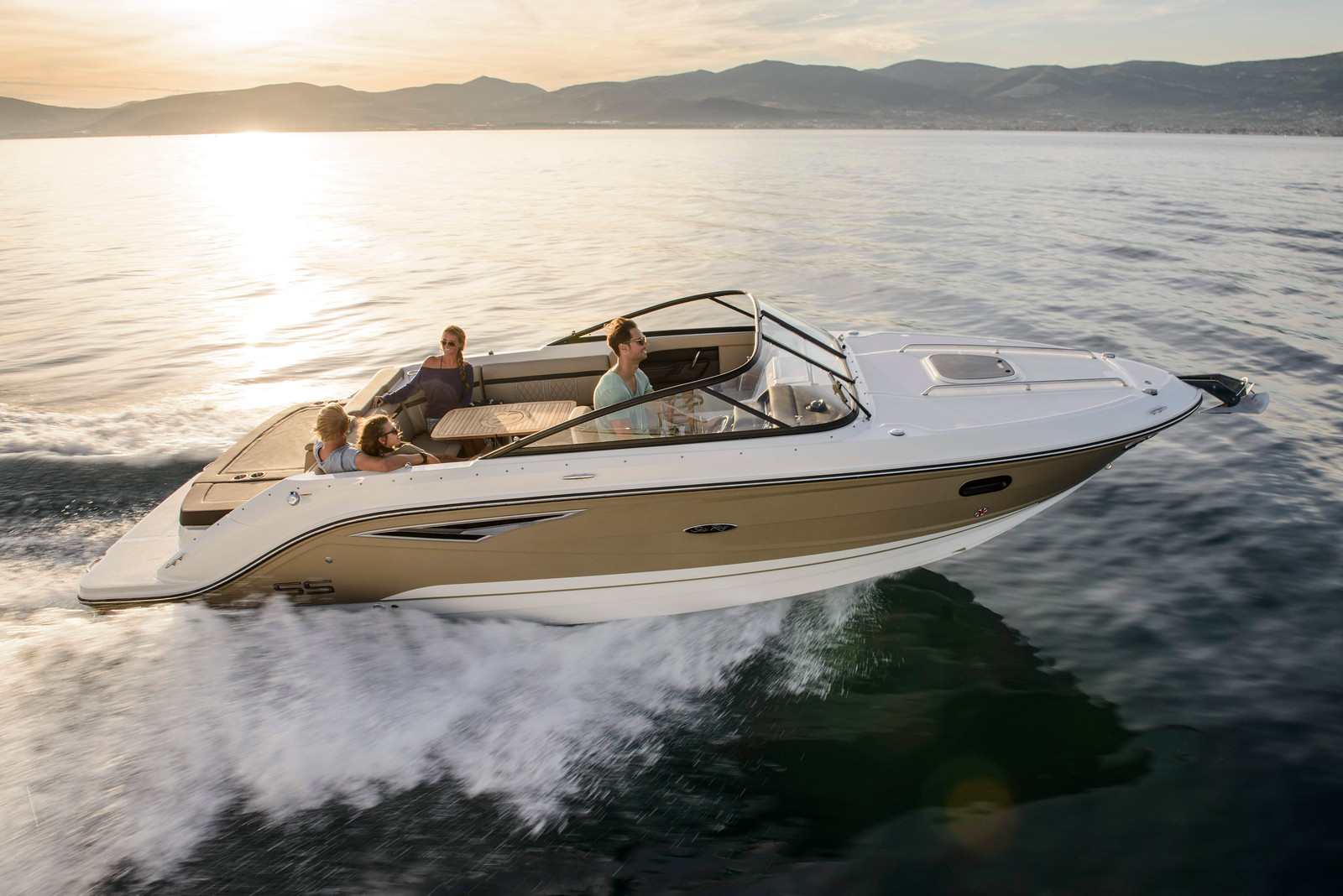 Sea Ray Sun Sport 250 | Sports Marine