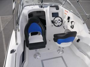 HAINES SIGNATURE 550F - CABIN BOAT