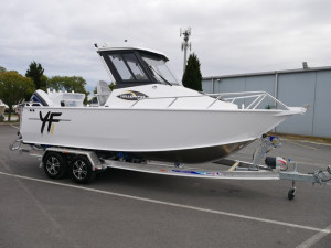 QUINTREX YELLOWFIN 6500 HARD TOP