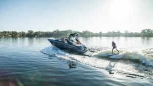 2018 Sea Ray SLX-W 230