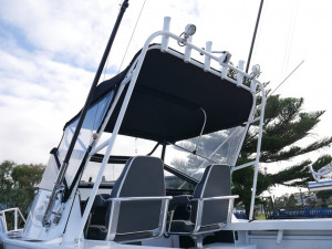 QUINTREX YELLOWFIN 6700 CABIN  - OFFSHORE FISHING BOAT