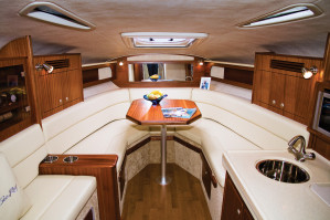 2014 Sea Ray Sundancer 305