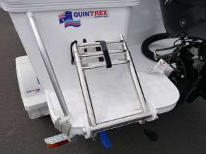 QUINTREX 481 FISHABOUT DLX - RUNABOUT