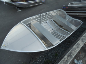 QUINTREX 400 DART HULL ONLY