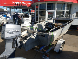 Stacer 4.6m Centre console - 1999 70hp Johnson outboard