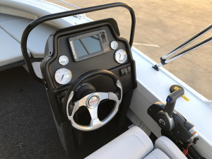Stacer 499 Crossfire Side Console 2021 Model