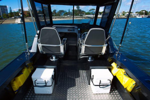 QUINTREX YELLOWFIN 7400 OFFSHORE - HARD TOP