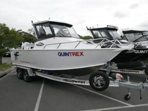 QUINTREX YELLOWFIN 6700 HARD TOP