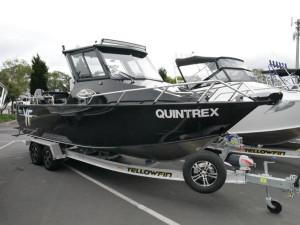 QUINTREX YELLOWFIN 7400 HARD TOP
