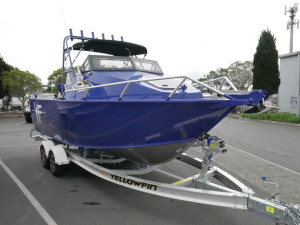 QUINTREX 5800 YELLOWFIN CABIN BOAT