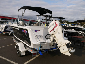 Quintrex 490 Cruiseabout - Bow Rider