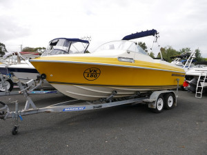 HAINES HUNTER 565L - RUNABOUT