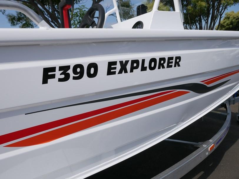 Quintrex F390 Explorer - Side Console