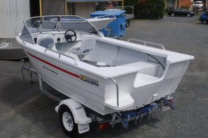 Brand new Horizon 415 EasyFisher Runabout