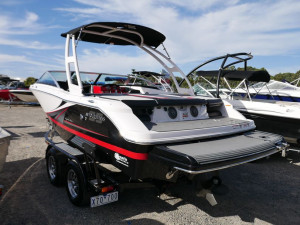 Four Winns H200ss - Bow Rider