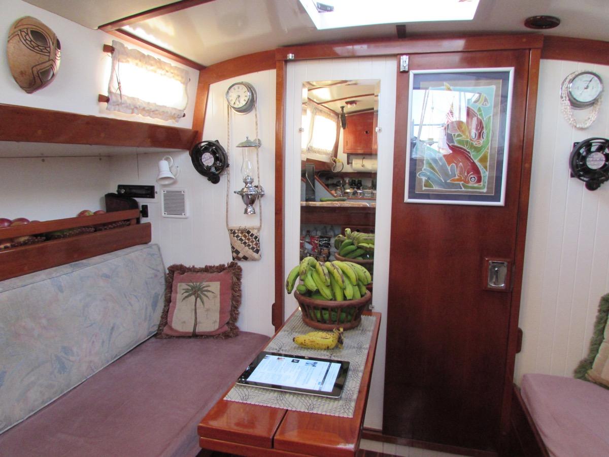 Nicholson 32 Pocket Offshore Cruiser