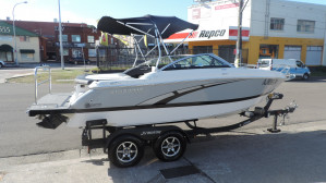 Four Wins 215 Sundowner 2012 Model