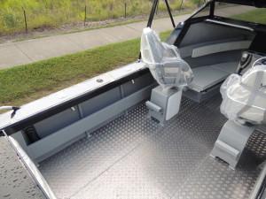 6500 YELLOWFIN Folding Hard Top Cabin  200 HP PACK 4
