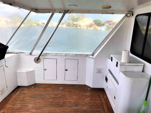 Ocean Trek 528 Flybridge cruising catamaran