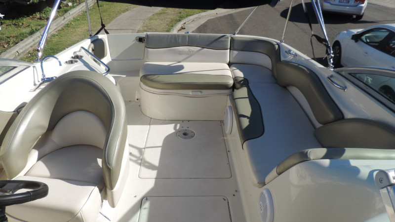 Sea Ray 240 Sundeck 2005 Model