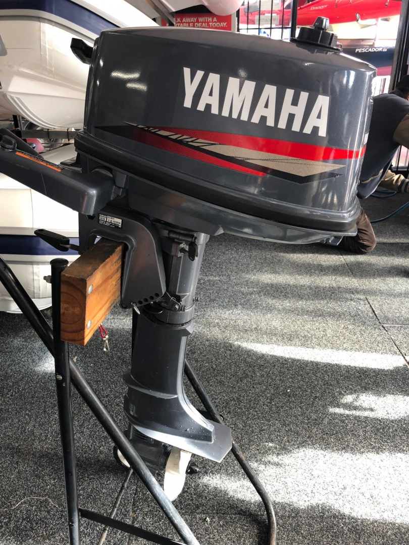 Used Yamaha 5hp 2 stroke short shaft outboard motor in