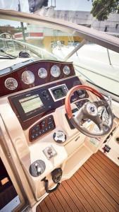 2009 Sea Ray 330DA