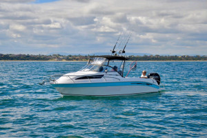 REVIVAL BOATS R640 Offshore Edition