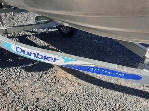 QUINTREX F370 OUTBACK EXPLORER