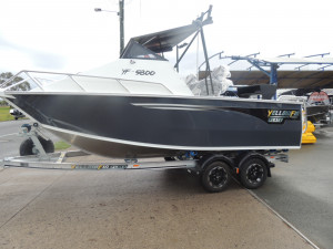 YELLOWFIN 5800 FOLDING HARD TOP WITH EVINRUDE K115HGXF, G2 SALE
