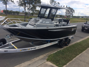 6200 YELLOWFIN Centre Cabin 150 HP PACK 1
