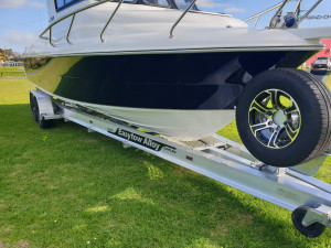 750 Hard top Northbank, twin 200hp Mercury V6 & Easy tow alluminium trailer