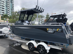 7000 YELLOWFIN CENTRE CABIN  200 HP PACK 1