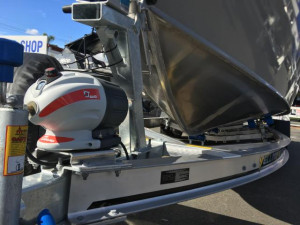 7600 YELLOWFIN  CENTRE CABIN 225HP PACK 3