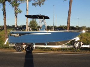 7000 YELLOWFIN CENTRE CONSOLE  200 HP PACK 4