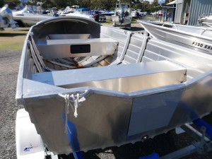 Quintrex 400 Dart - Hull and Trailer