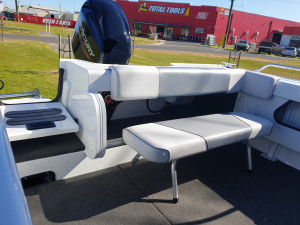 469 SeaMaster, trailer & 60hp Mercury 4 stroke