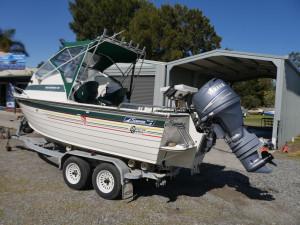 Savage 525 Osprey - Cabin Boat