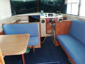 1985 Riviera 30 Flybridge
