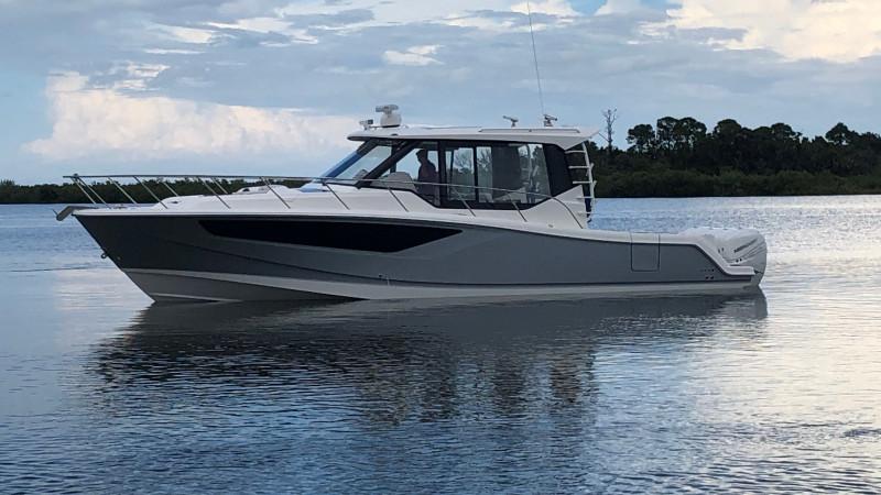 BOAT SHARE: Boston Whaler 405 Conquest