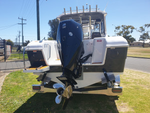 650 Hardtop Northbank, 200hp Mercury V6 & Easytow alluminum trailer  EX-DEMO