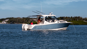 BOAT SHARE: Boston Whaler 325 Conquest