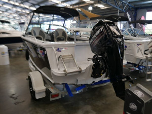 Quintrex 481 Fishabout PRO Runabout