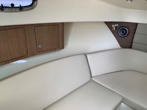 2020 Boston Whaler 315 Pilothouse