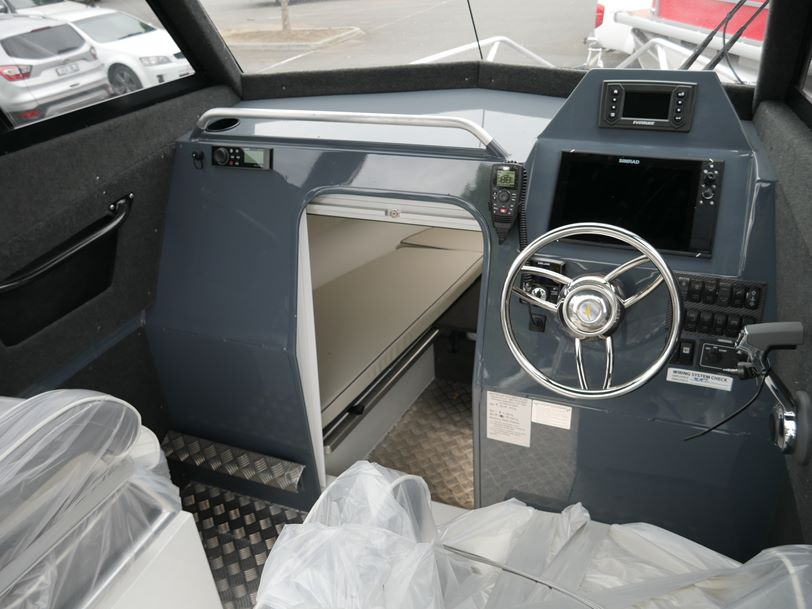YELLOWFIN 7000 SOUTHERNER HARD TOP