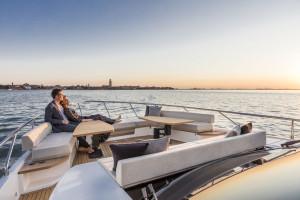 Ferretti Yacht 670