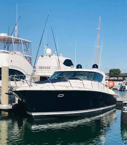 2000 Riviera 4000 Offshore