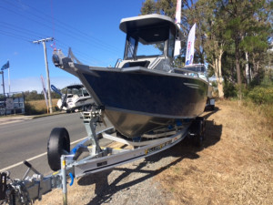 5800 Yellowfin Centre Cabin Pack 1