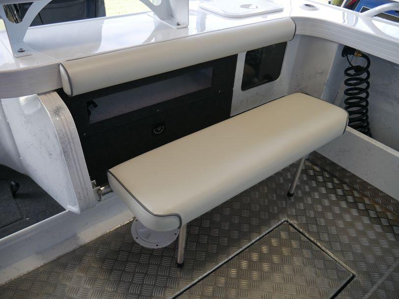 Quintrex 610 Trident - Soft Top