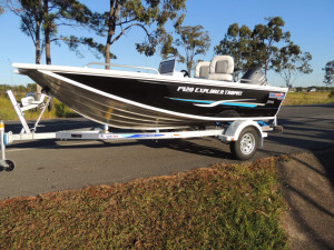QUINTREX 420 EXPLORER TROPHY Side Console  F50HP Package