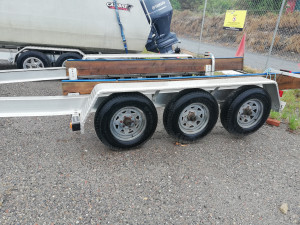 2011 Trailer Solutions   Tri axle Trailer